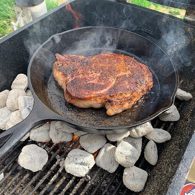 #ad so this past month I got to play around with the new @kingsford hardwood charcoal from @homedepot and we had a great time! Always #manmeatbbq on all your BBQ posts.  Dont forget that a new podcast comes out every Thursday at manmeatbbq.com and via iTunes.  Do you wanna support MMB Hit is up on Patreon https://www.patreon.com/manmeatbbq. • • • • •  #food #instafood #bbqcooking #barbecue #bbq #bbqfoodie #myronmixonsmokers #foodie #chicagobbq #wood #fire #firecooking #realbbq #podcast #chef #pitmaster #foodphotos #cookingwithfire #kingsford #homedepot