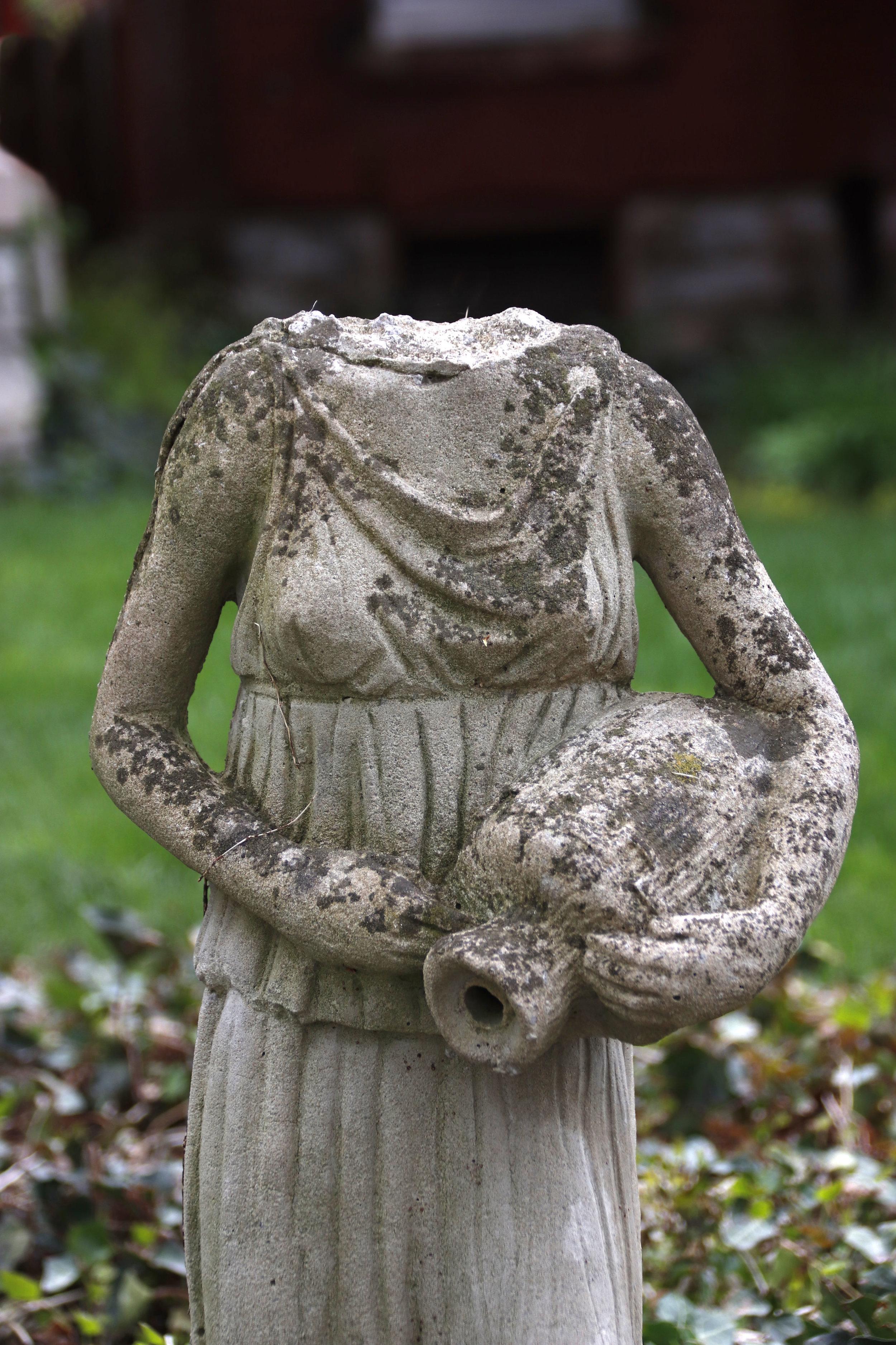 headless statue_2018_04_22_0577 (1).jpg