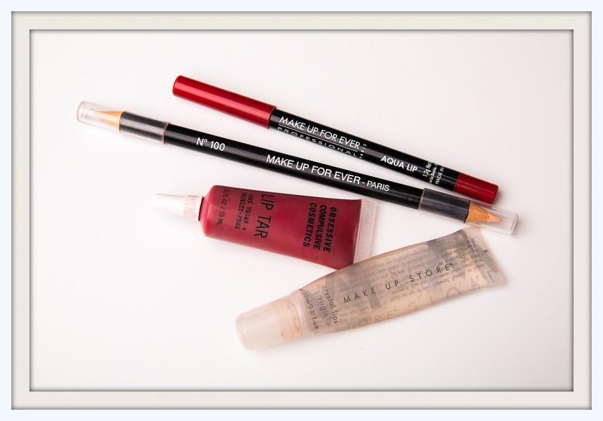 Для макияжа губ использовала: карандаш для губ AQUA LIP номер 8с Make Up For Ever, карандаш консилер CONCEALER PENCIL Make Up For Ever, помада LIP TAR, оттенок NSFW Obsessive Compulsive Cosmetics и блеск для губ CRYSTAL LIPS VIRGIN Make Up Store.