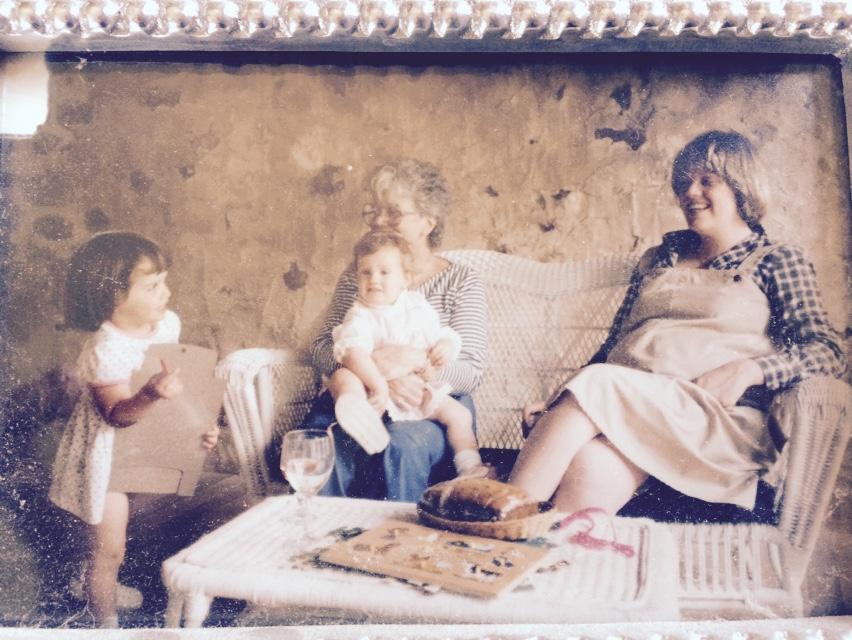 Lauren (Wife), Allison (Sister), Grandma Jane, Sue (Mom), Caroline (Sister) in belly