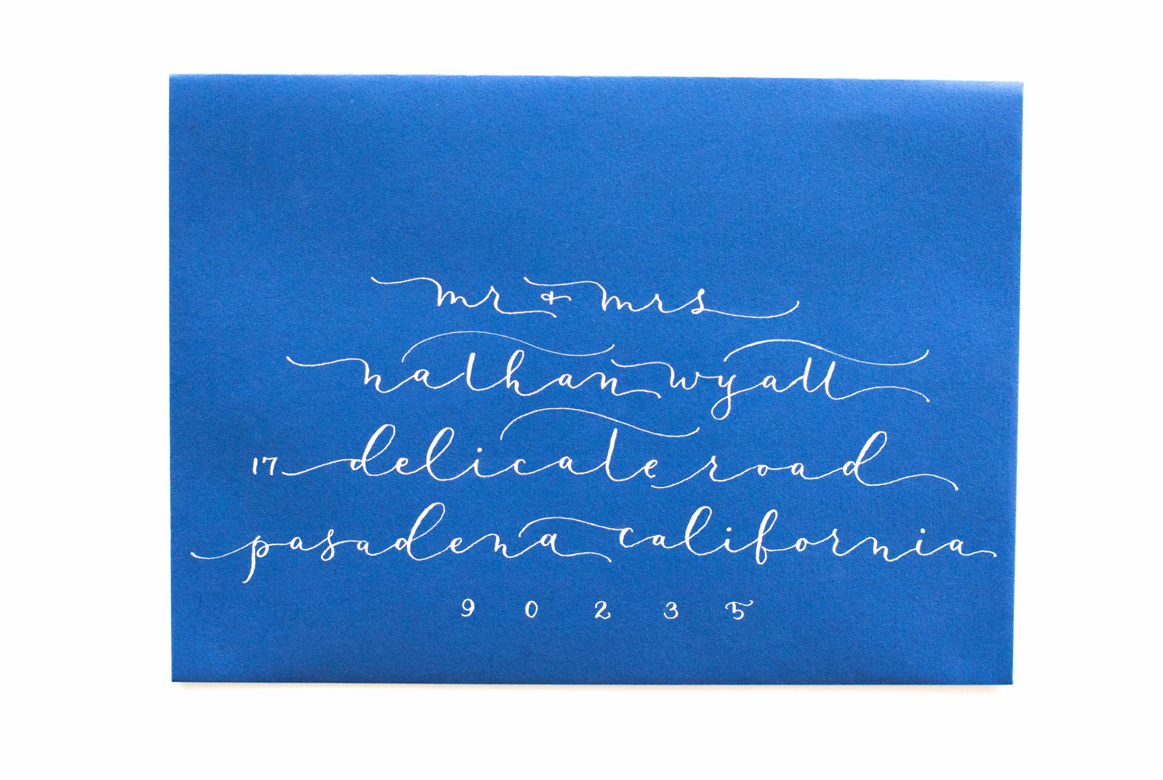 DELICATE SCRIPT - long and thin calligraphy lines that are romantic and airy