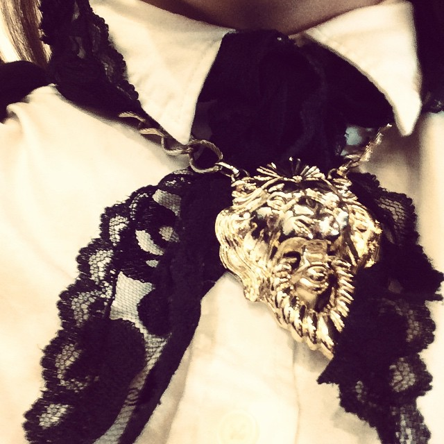 Neck tie - lion and lace. #getcreative #fashiontraining