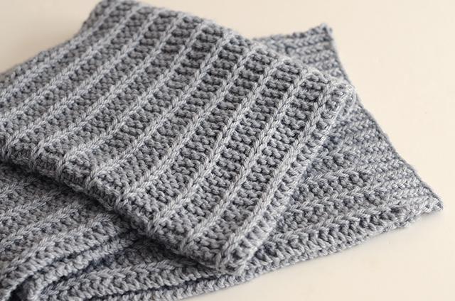 men's knit scarf pattern using slip stitches and chunky yarn