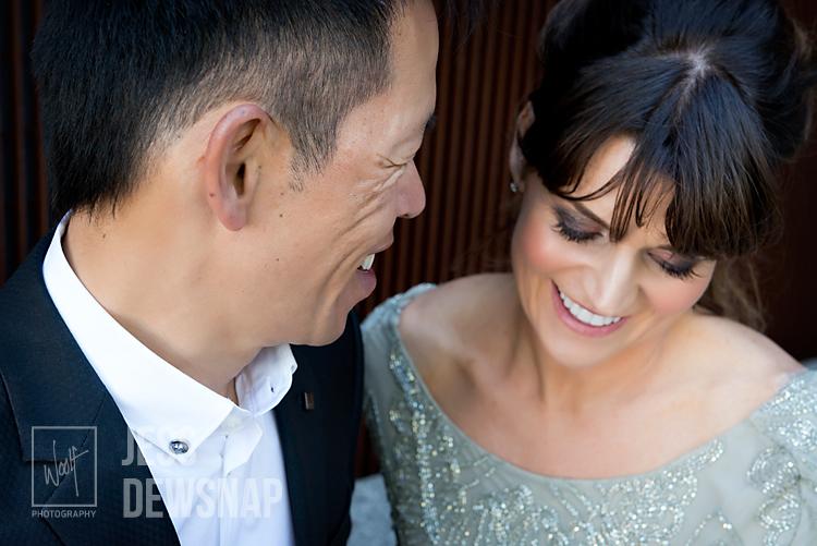 wedding-jess-couple-lookingdown-woolf-photography-cm_1100.jpg