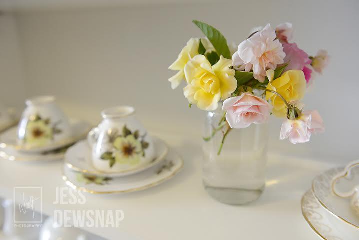 jess-TeOmangahospice-cupsandflowers.jpg