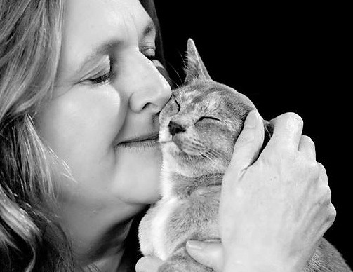 bw-cat-family-studio-photo-woolf-photography-2015.jpg