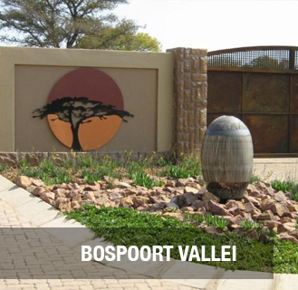 BOSPOORT VALLEI. Brand new home in a secure and luxurious development. 3 Bedrooms, 2 bathrooms, main en-suite with walk-in dresser, large open plan living areas and kitchen with granite tops, scullery and built-in cupboards. Double garage with tiled floors, built-in cupboards and electric doors. Outdoor toilet, full lawn, pavement.   R1 500 000.00