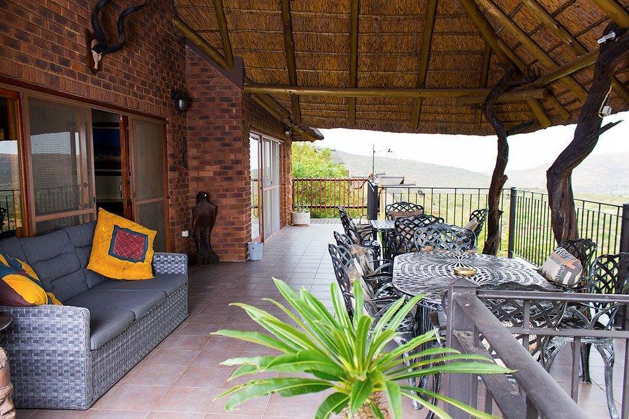 A Top patio - 1st floor.jpg