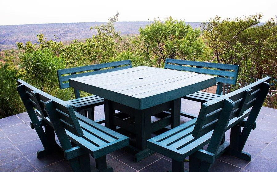 L - Breakfast area.jpg