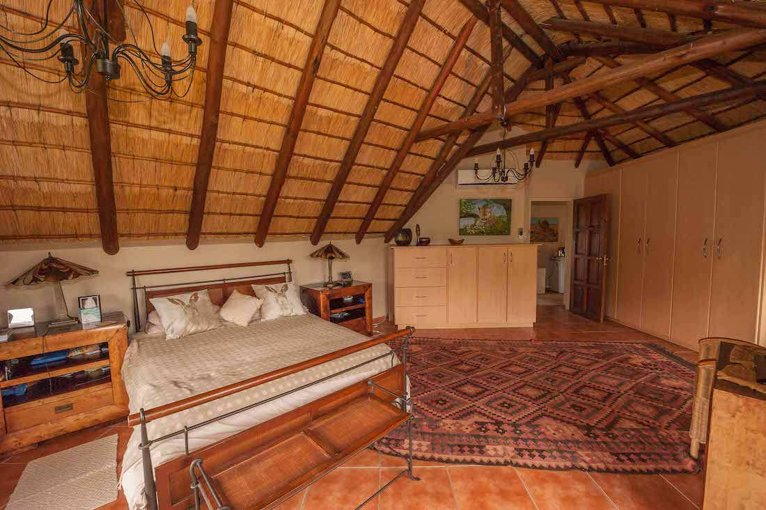 Mab 108-13 Min bedroom.jpg