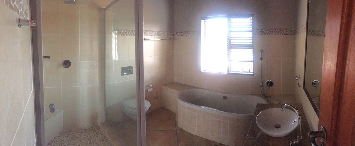 2nd bathroom 5.jpg