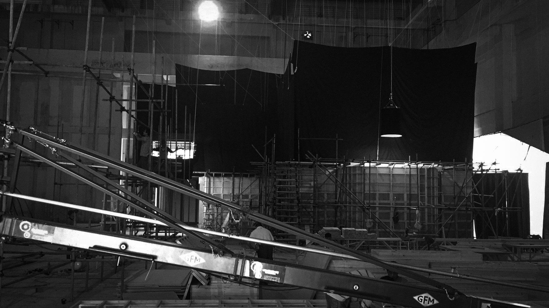 Pre-lighting and crane testing