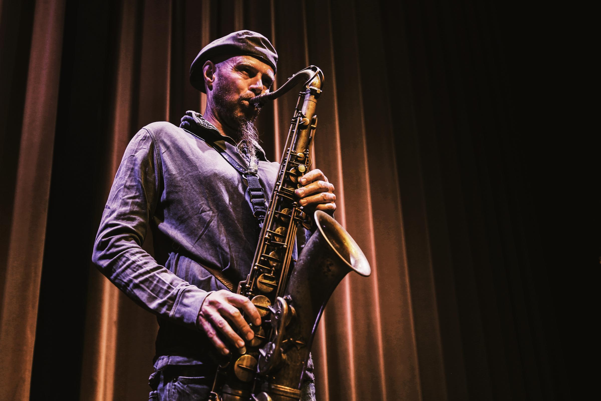 Dave Feusi: Saxophone