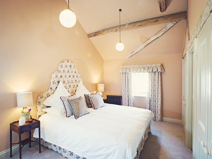 42939 6 Kingsize bedroom.jpg