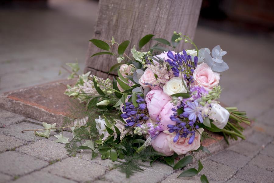 lisa_lucas_photography_rivervale_barn_bridal_flowers-2005.jpg
