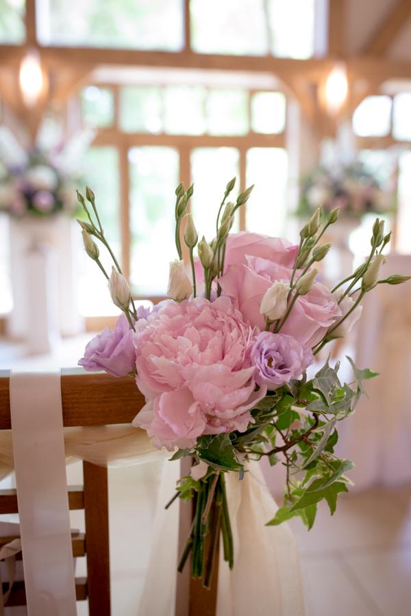 lisa_lucas_photography_rivervale_barn_bridal_flowers-2008.jpg