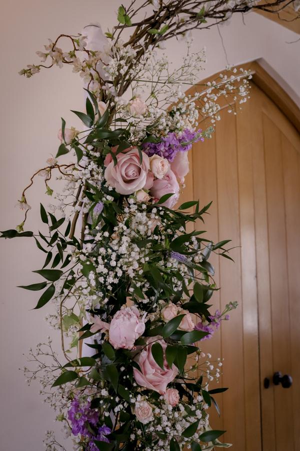lisa_lucas_photography_rivervale_barn_bridal_flowers-2012.jpg