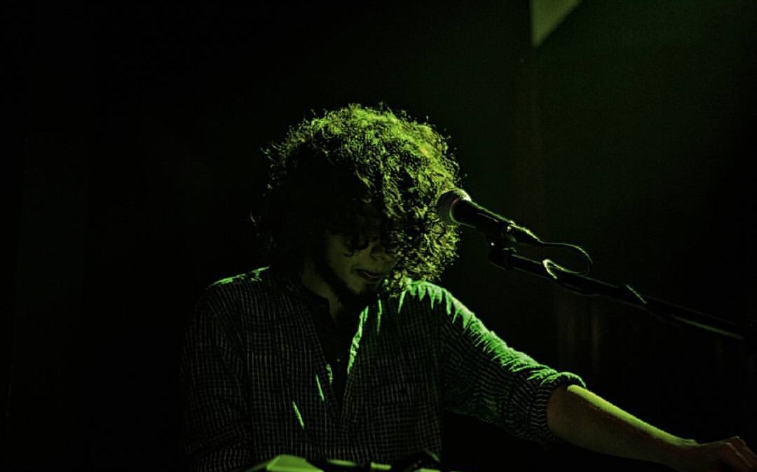 Achint Performing Live