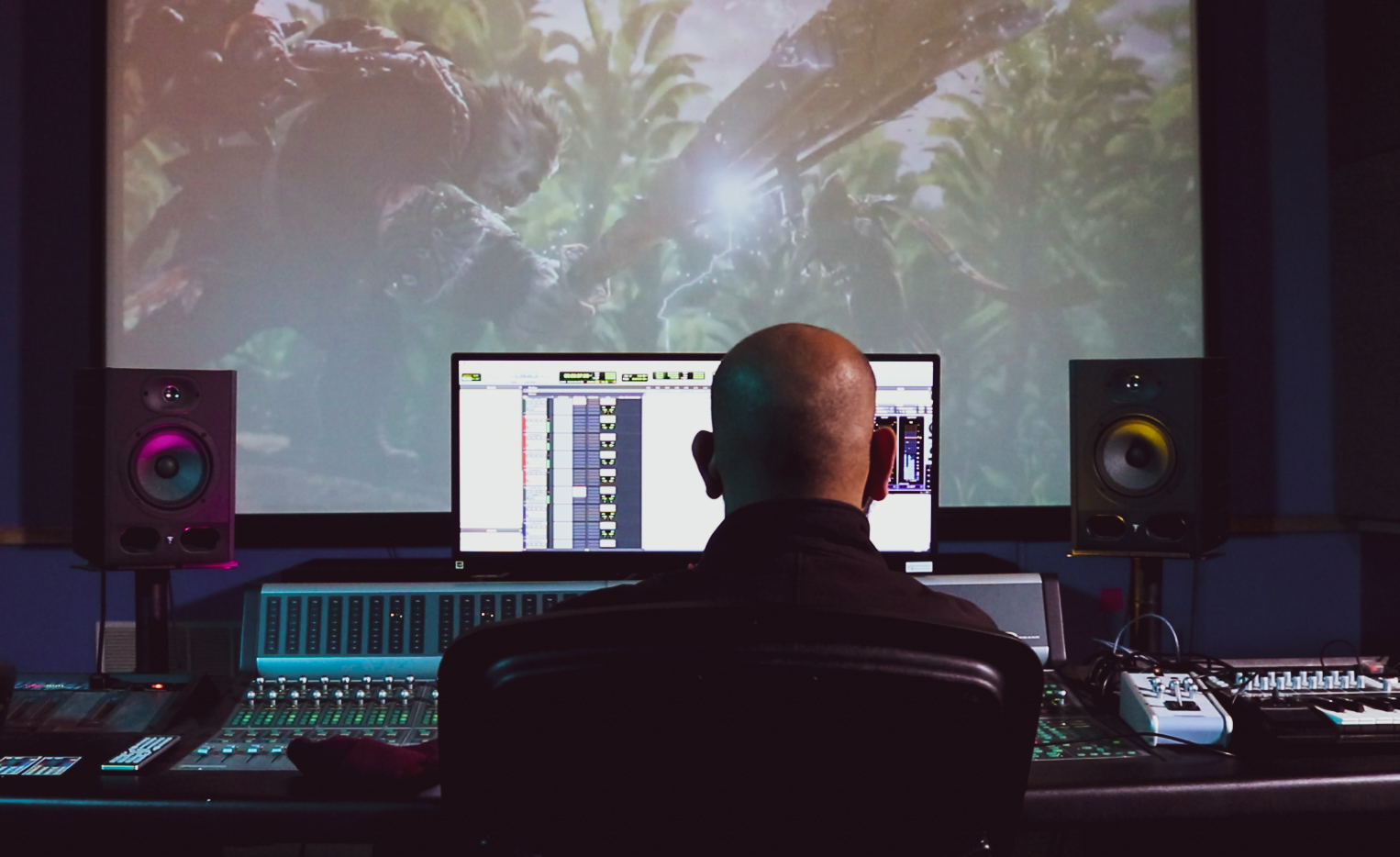 """Train at a """"AAA"""" Game Audio House - Pyramind has produced audio, VO, sound design and music for some of the top games and game companies in the world - Insomniac, Ubisoft, Samsung, Microsoft and Amazon, to name a few. From """"Halo"""" and """"Overwatch"""" to new titles in VR, you'll begin your career in game audio by learning from working game audio producers."""