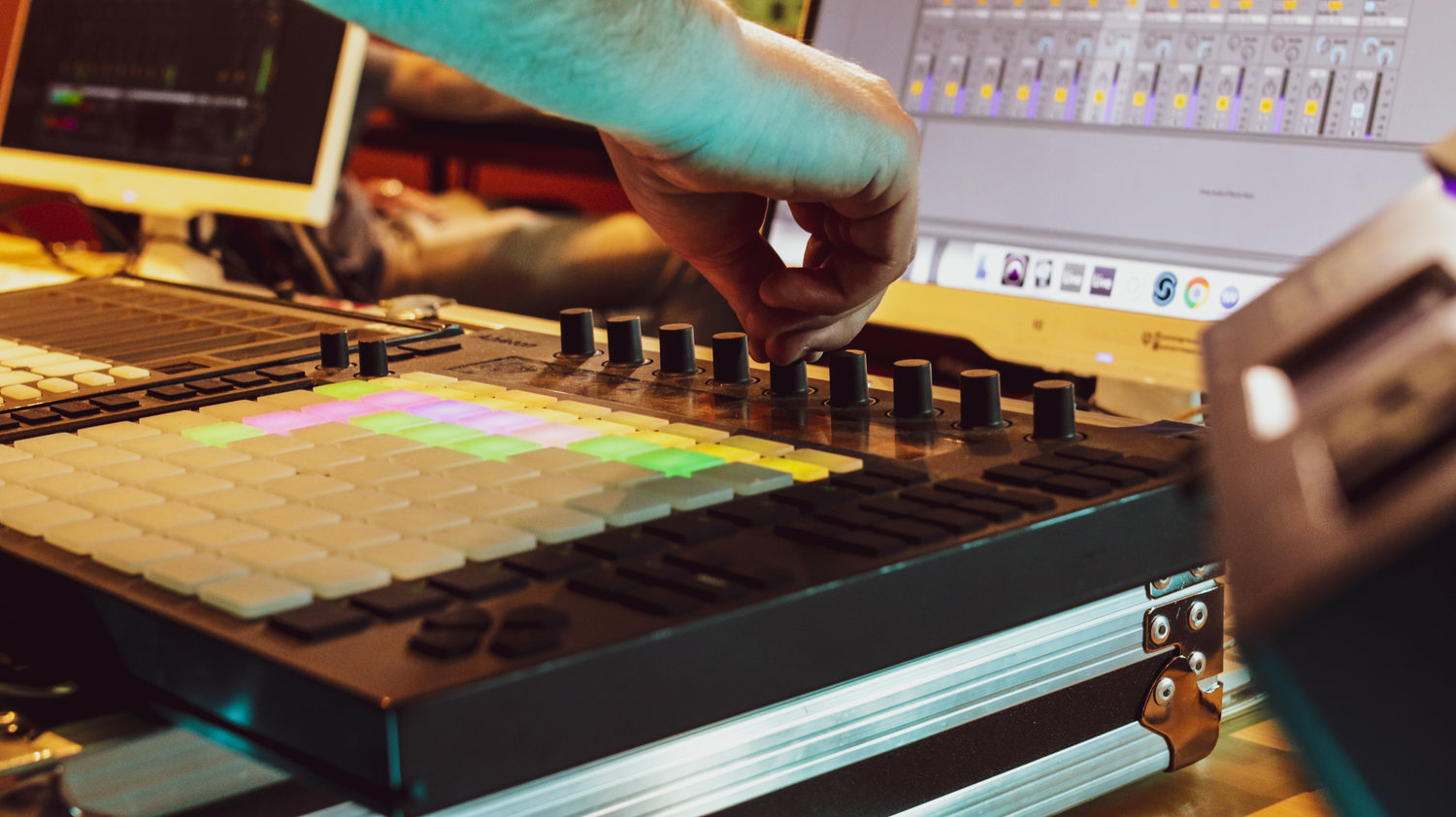 ABLETON NIGHT PROGRAM - A 16 WEEK ELECTRONIC MUSIC PRODUCTION COURSE FOR ASPIRING PRODUCERS