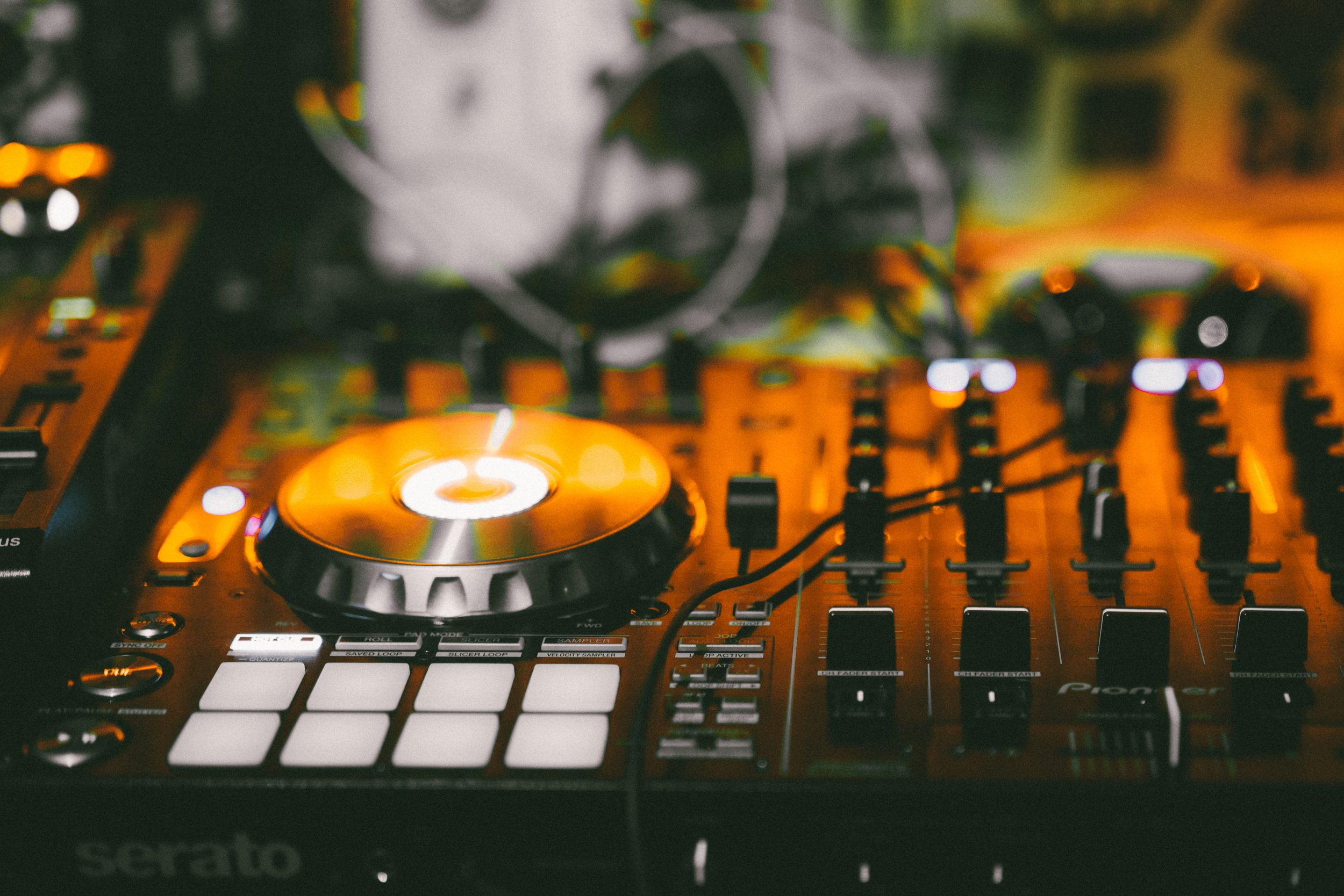DJ NIGHT PROGRAM - A 16 WEEK DJ AND PERFORMANCE NIGHT COURSE FOR FUTURE PARTY MAKERS
