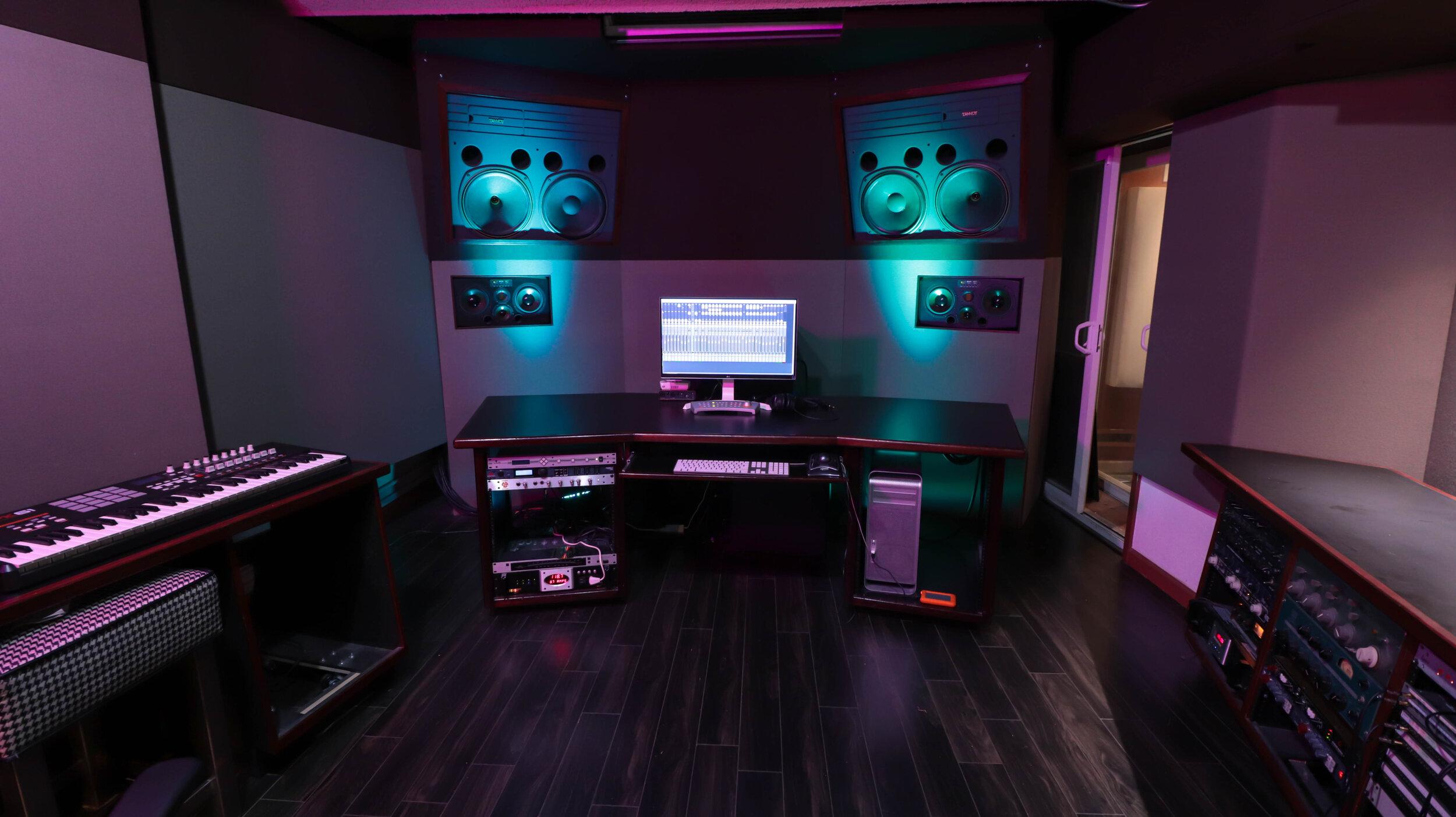 Studio B - Gilbert St.