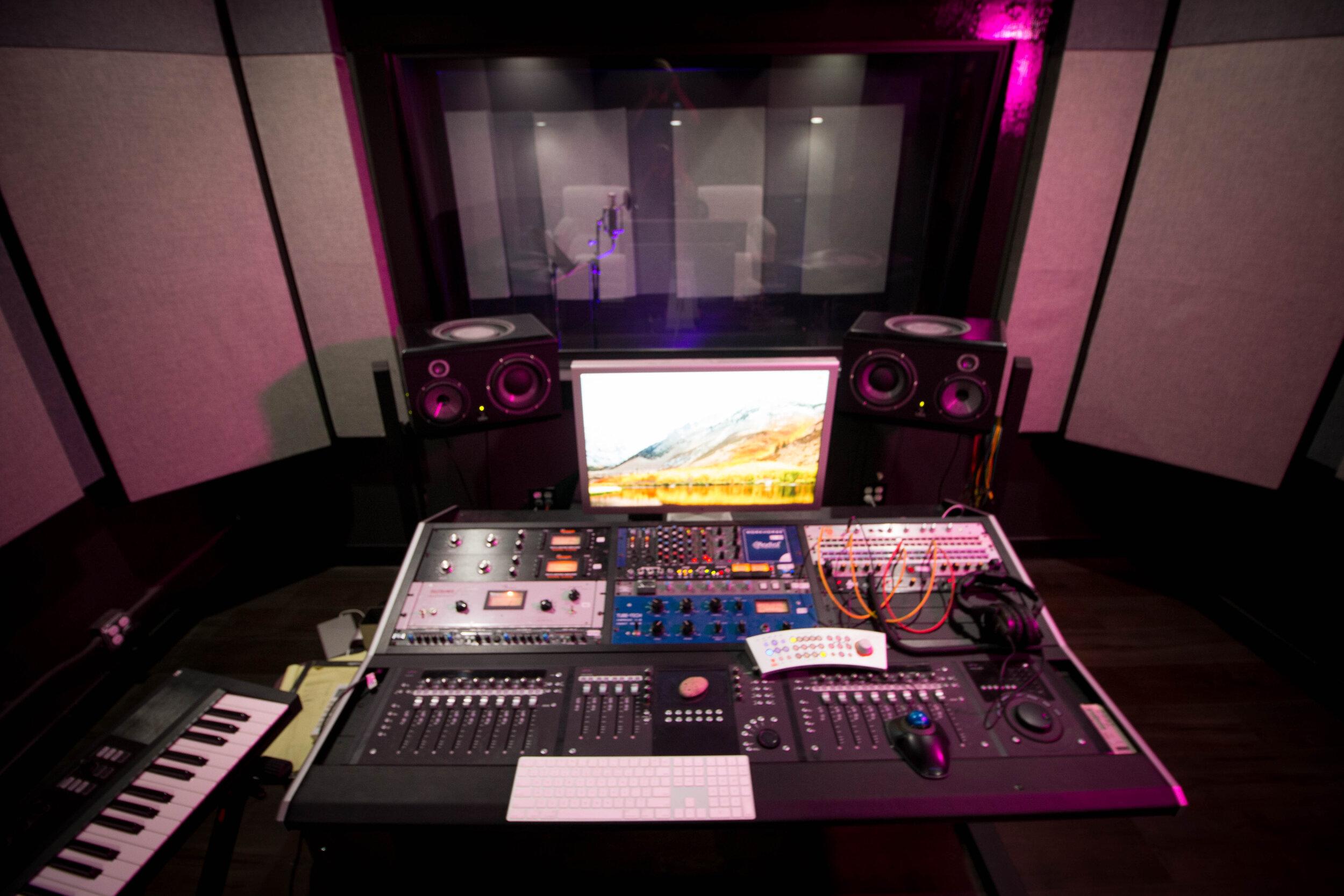 Studio C - Pyramind, Gilbert St.jpg