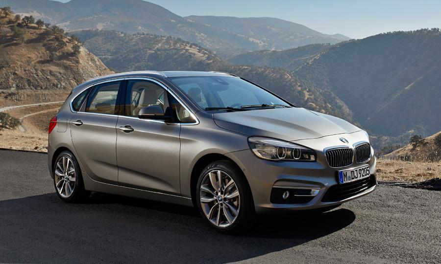 BMW-2-Active-Tourer-Concept-on-road.jpg