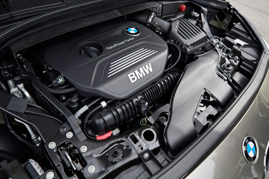 113032-first-drive-review-2015-bmw-2-series-active-tourer-225i.3-lg.jpg