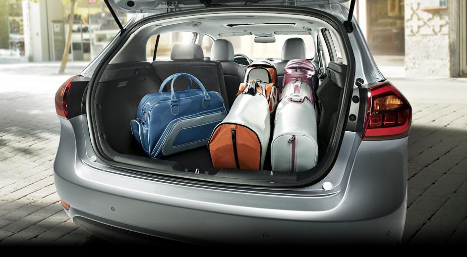 02-Kia-Cerato-5door-Interior-luggage-room.jpg