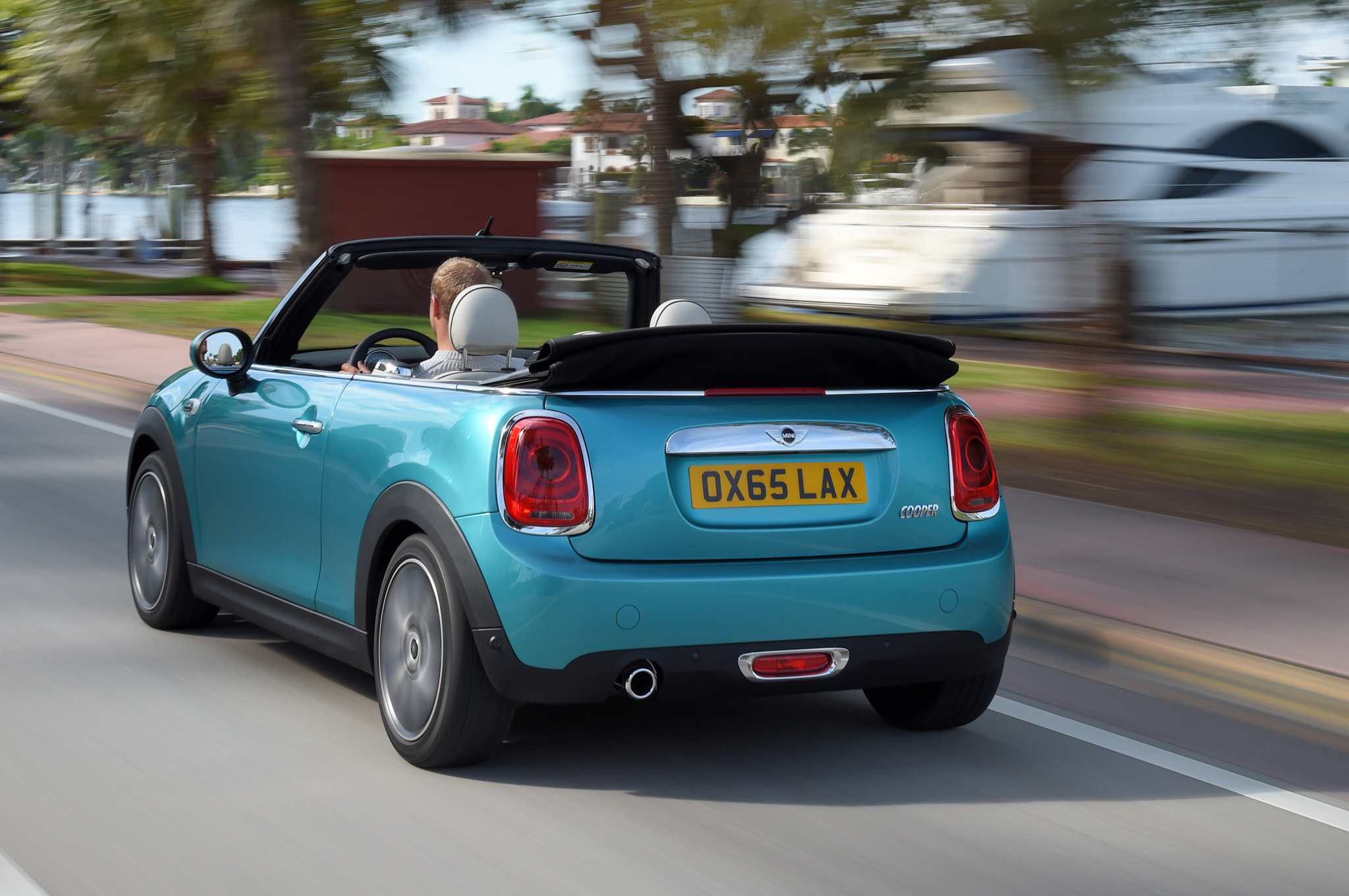 2016-Mini-Convertible-Grows-in-Size--Adds-New-Features.jpg