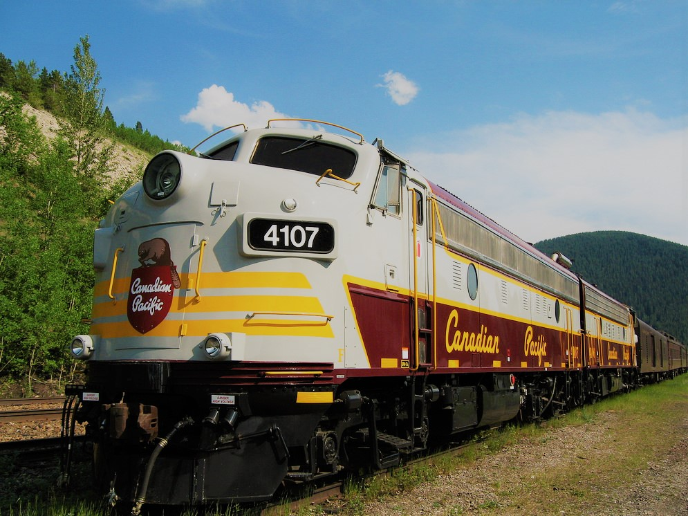 CP luxury train  (2).jpg