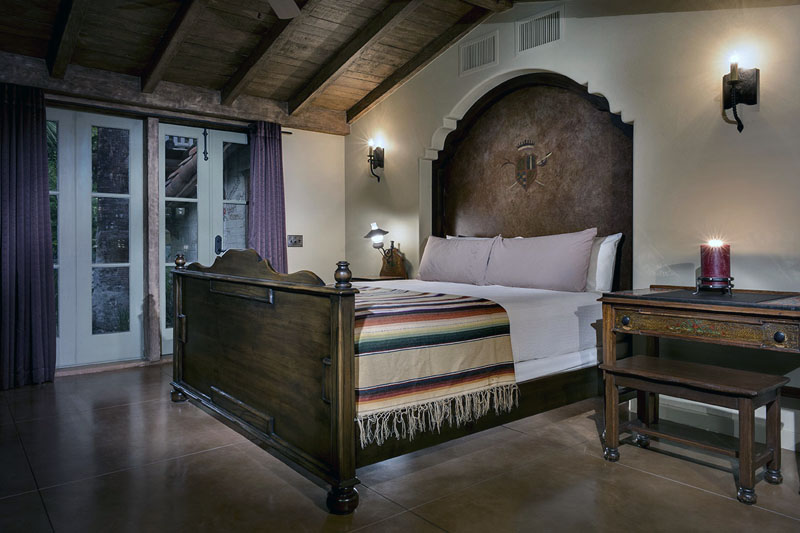 Colony 29 Artist Bungalow Master bed.jpg