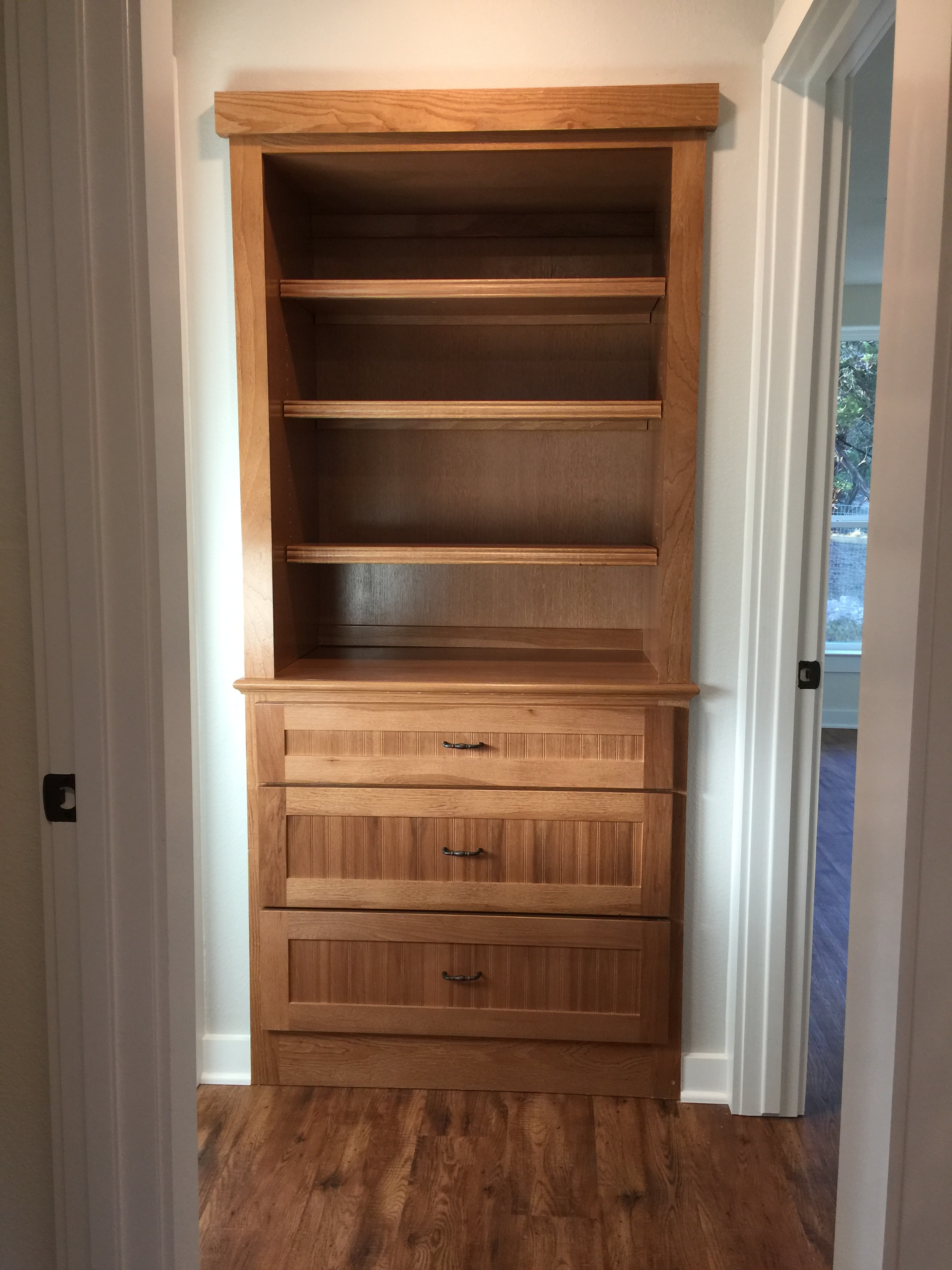 910 PLL - Finished Hallway cabinet.JPG