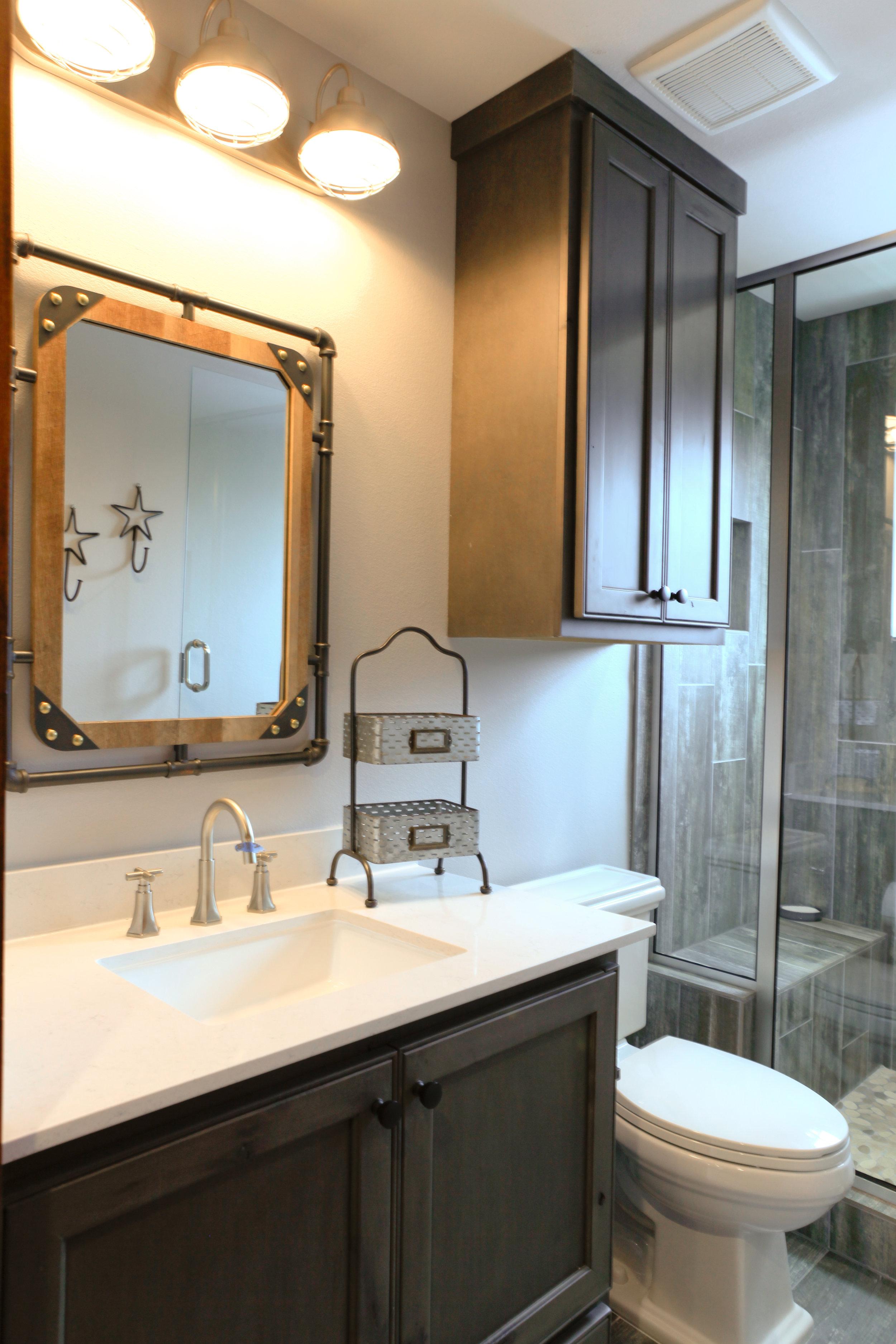 Guest House - Bathroom 1 (2).jpg