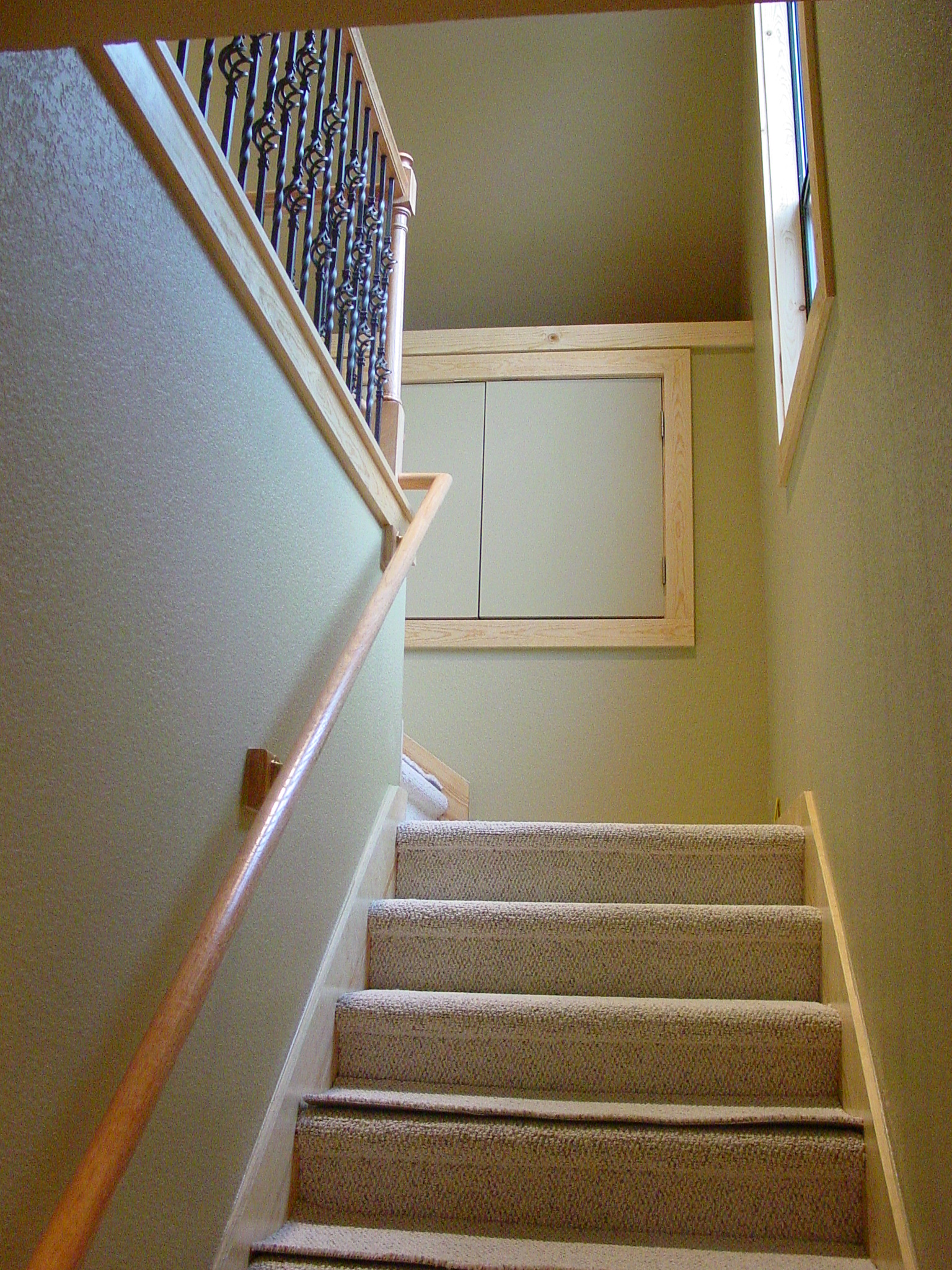 4802 WB - Interior, Complete,stairs.jpg