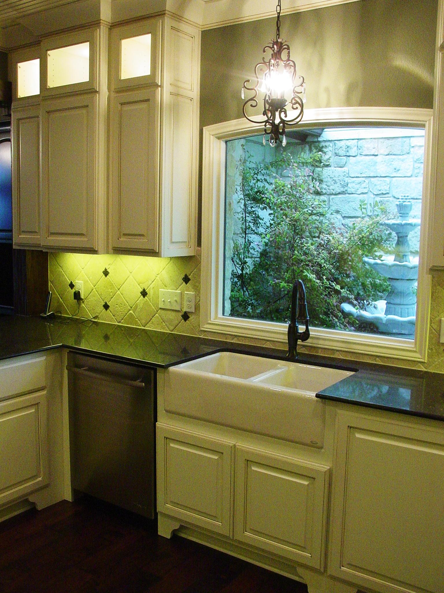 13205 CH - COMPLETE, Kitchen Sink.JPG