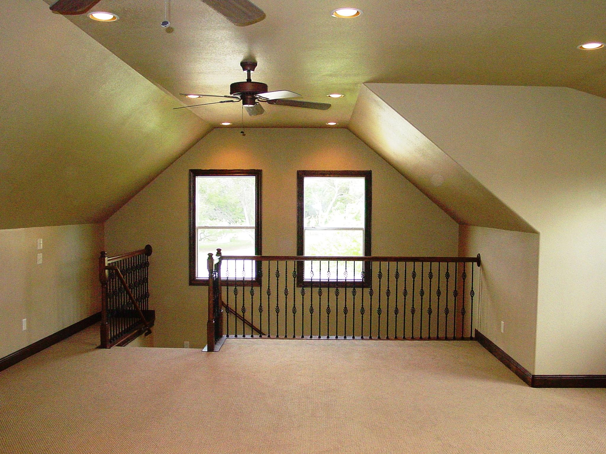 14401 RO - Complete - New Gar - Bonus Room,2.jpg