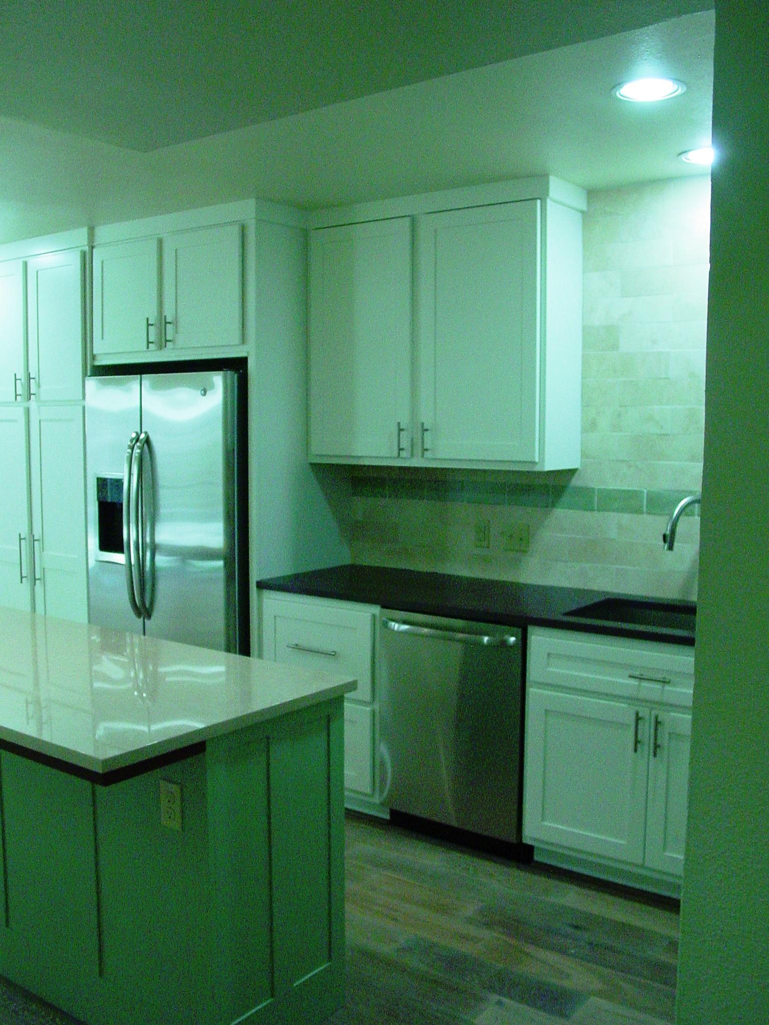 3431 N. Hills, Kitchen,3.JPG