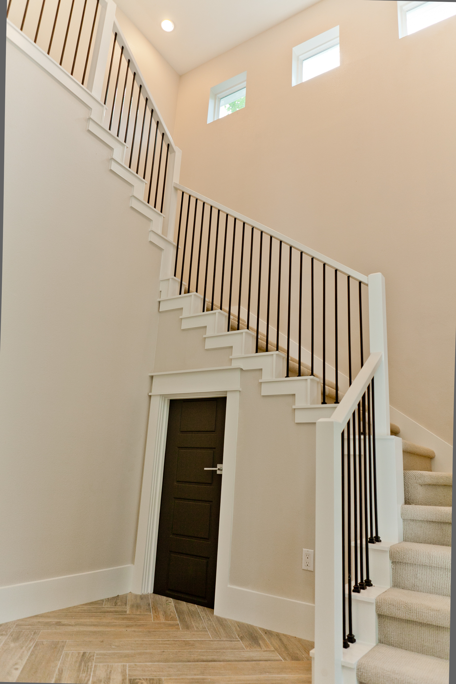 1 stairs_down.jpg
