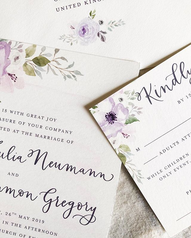 Happy first day of spring!! I'm so happy to have warmer days ahead. I got to design my dearest friend's invitations for her Oxford wedding, and I am so excited to fly across the pond to celebrate with her in May!