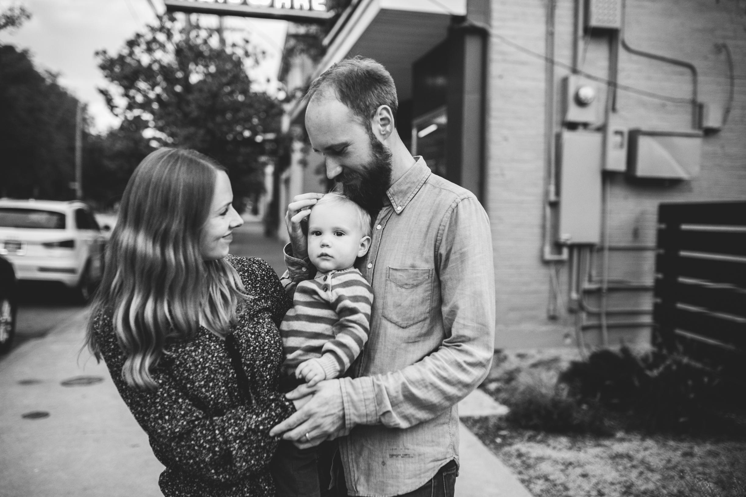 Lucas Family (Sarah, Jesse, Hugo) 2017 WEBSITE Crystal Ludwick Photo (41 of 51).jpg