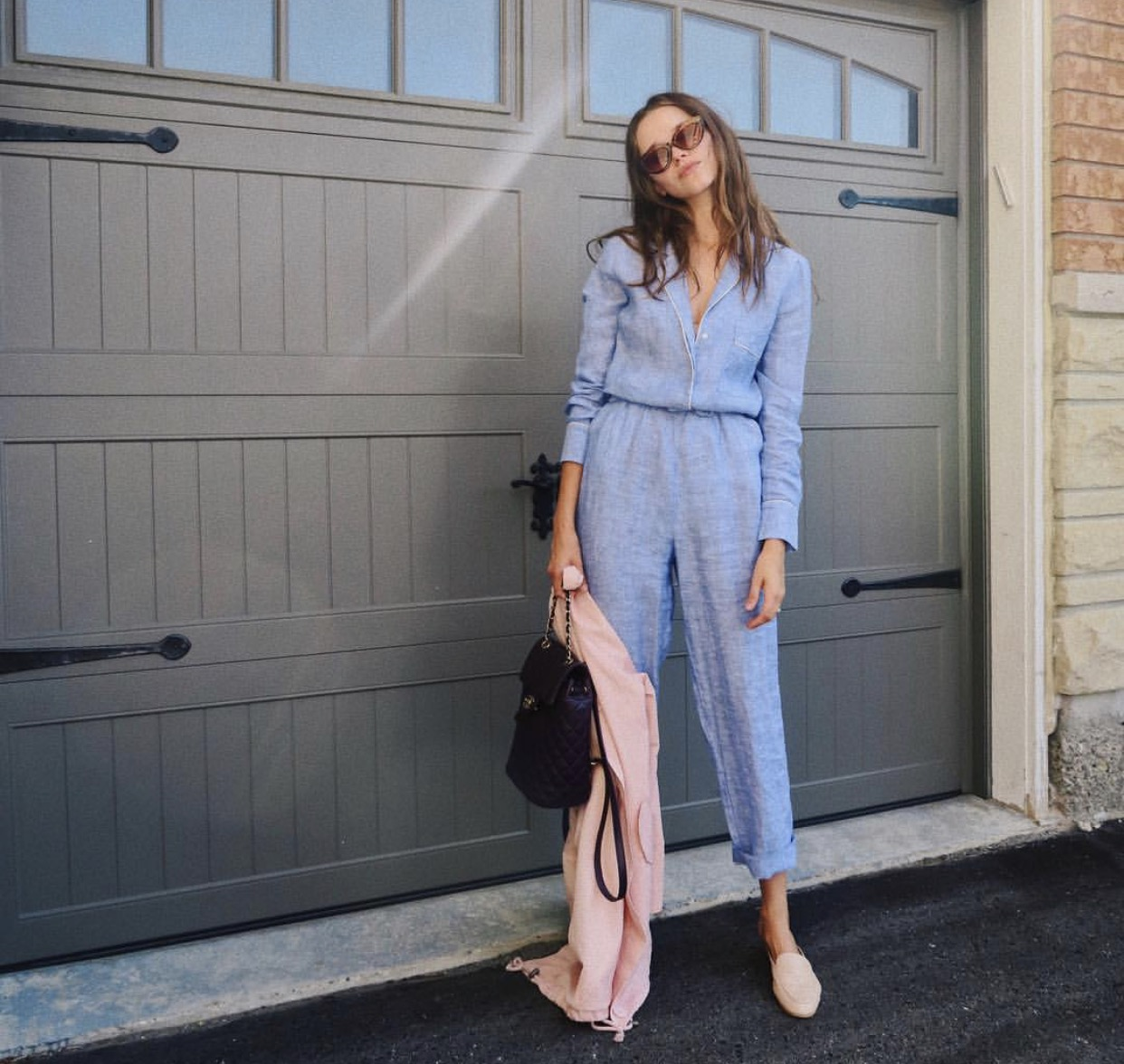 Jumpsuit: Zara (old), similar  HERE , HERE or  HERE   Mules: UO (old), similar  HERE   Jacket: Forever 21 (old), similar  HERE   Sunglasses: vintage