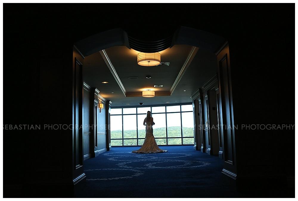 Sebastian_Photography_Wedding_LakeofIsles_05.jpg