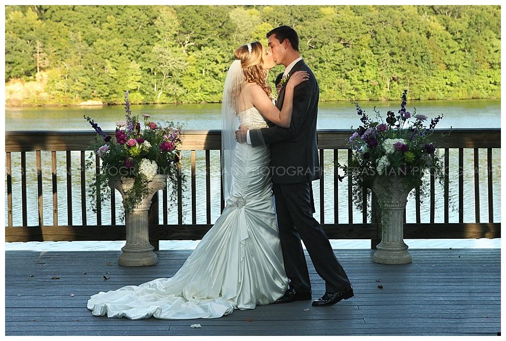 Sebastian_Photography_Wedding_LakeofIsles_21.jpg