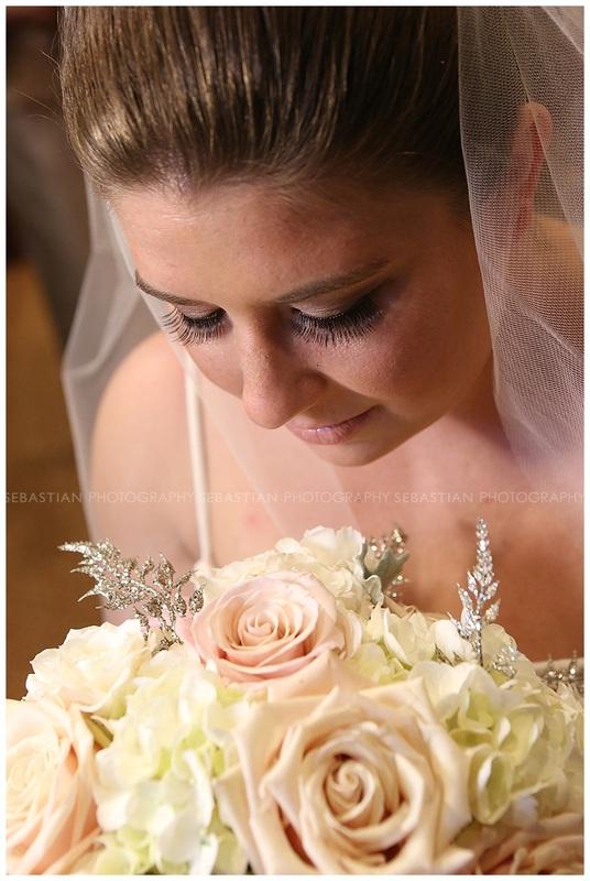 Sebastian_Photography_Wedding_LakeofIsles_CT_Bride05.jpg