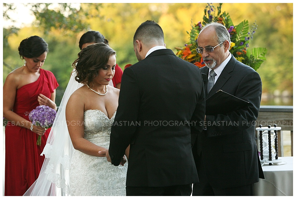 Sebastian_Photography_Wedding_LakeofIsles21.jpg