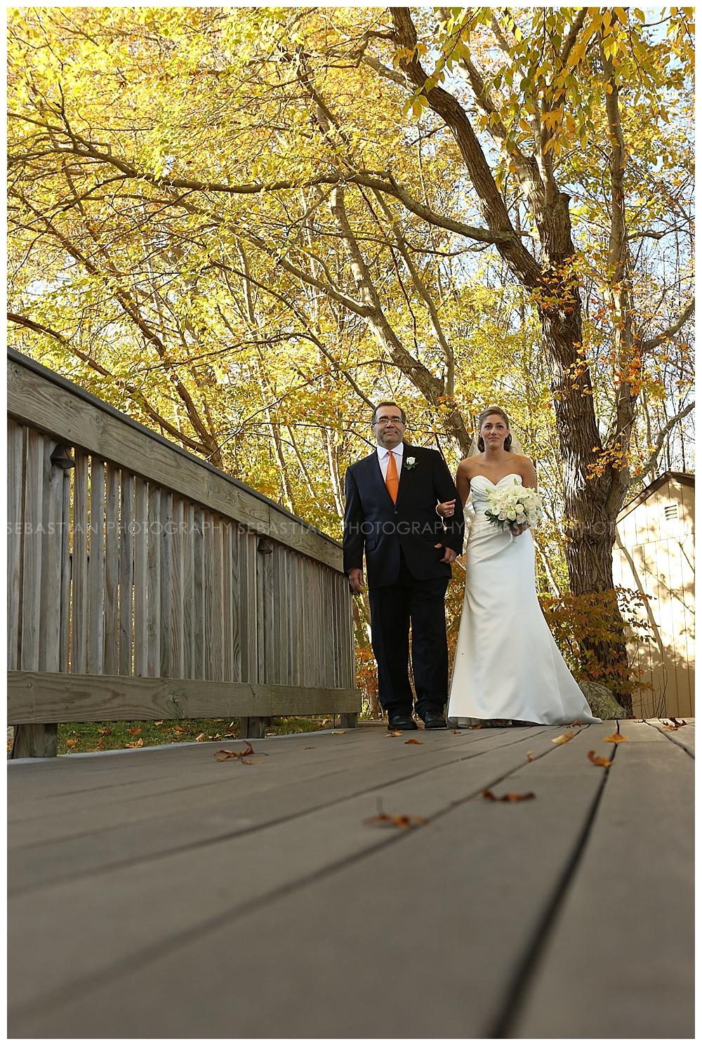 Sebastian_Photography_Wedding_LakeOfIsles_33.jpg