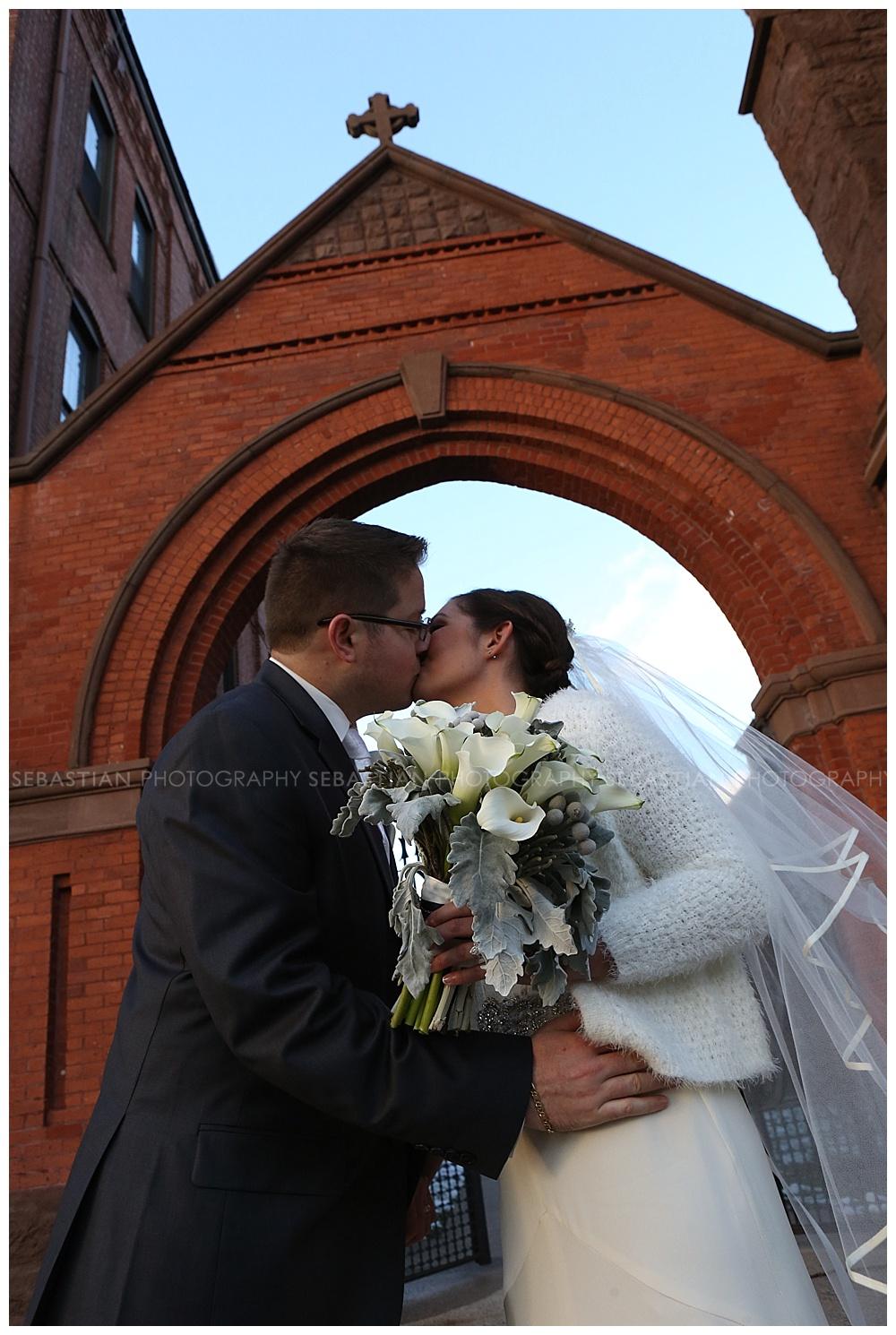 Sebastian_Photography_Wedding_SaybrookPointInn_Shore21.jpg