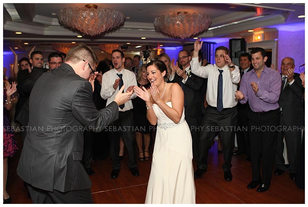 Sebastian_Photography_Wedding_SaybrookPointInn_Shore36.jpg
